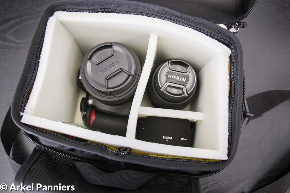 Camera inside an Arkel handlebarbag with protective padding