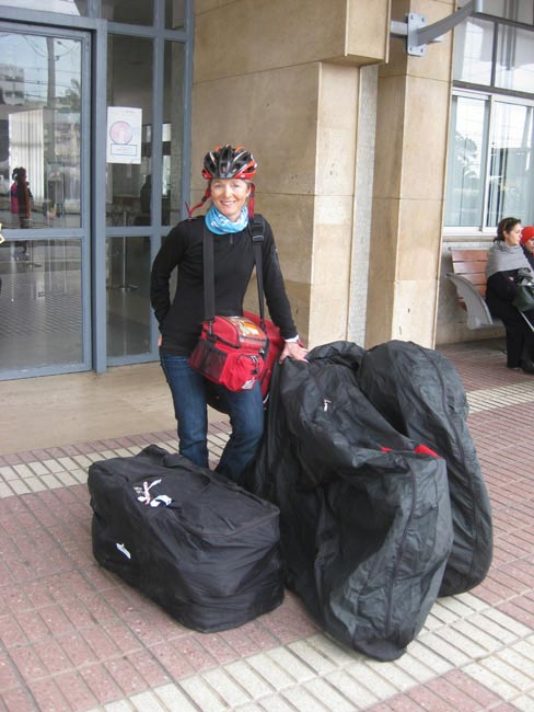 Louise Hénault ready for bus travel with the Arkel Bike Carry Bag