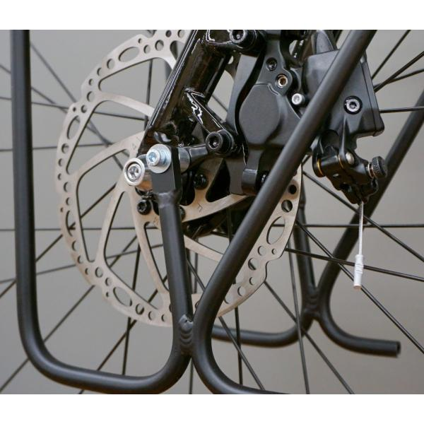 Close look at brake caliper clearance of the AC LowRider front rack