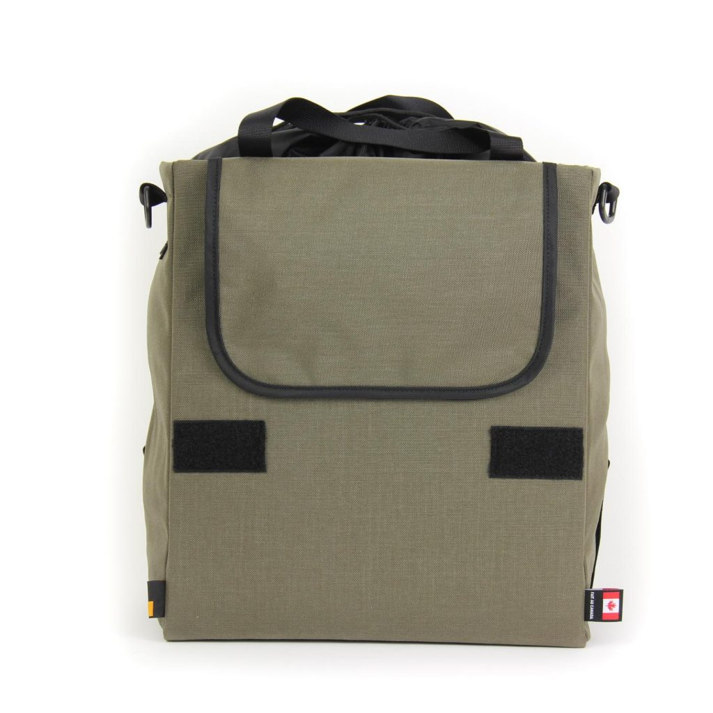 The hook system can be covered when carrying the pannier with the shoulder strap