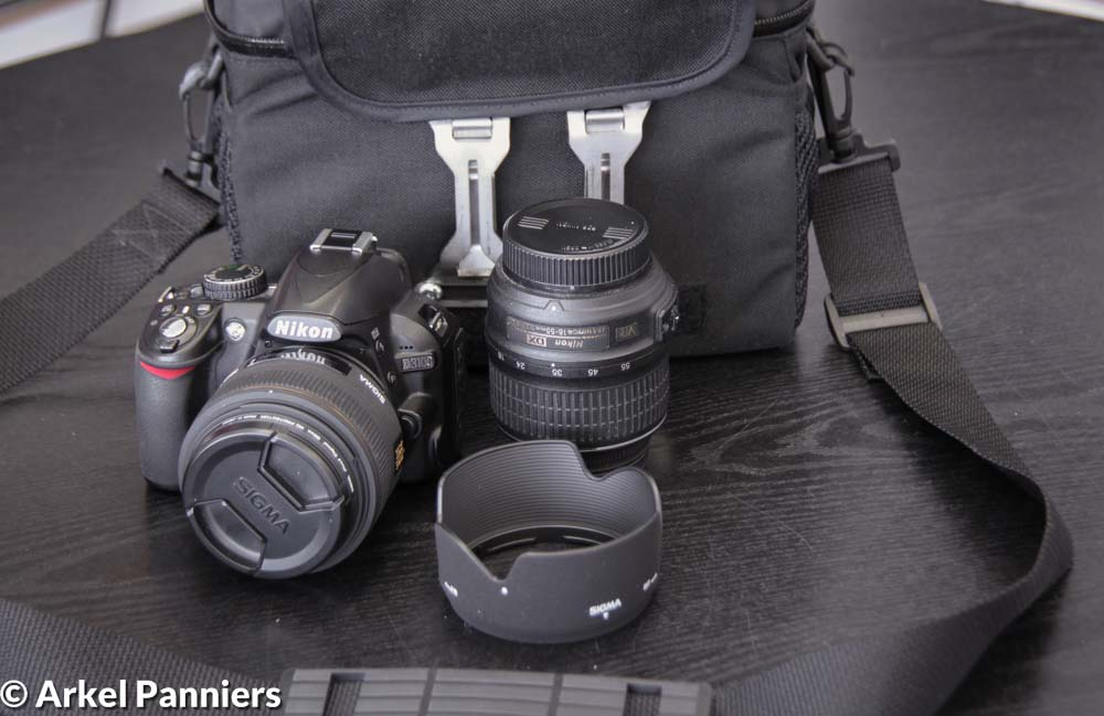Bike travel with a DSLR camera – How to transform an Arkel Handlebar Bag into a deluxe camera bag.